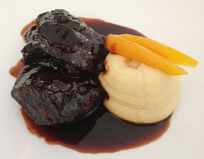 red wine beef cheeks